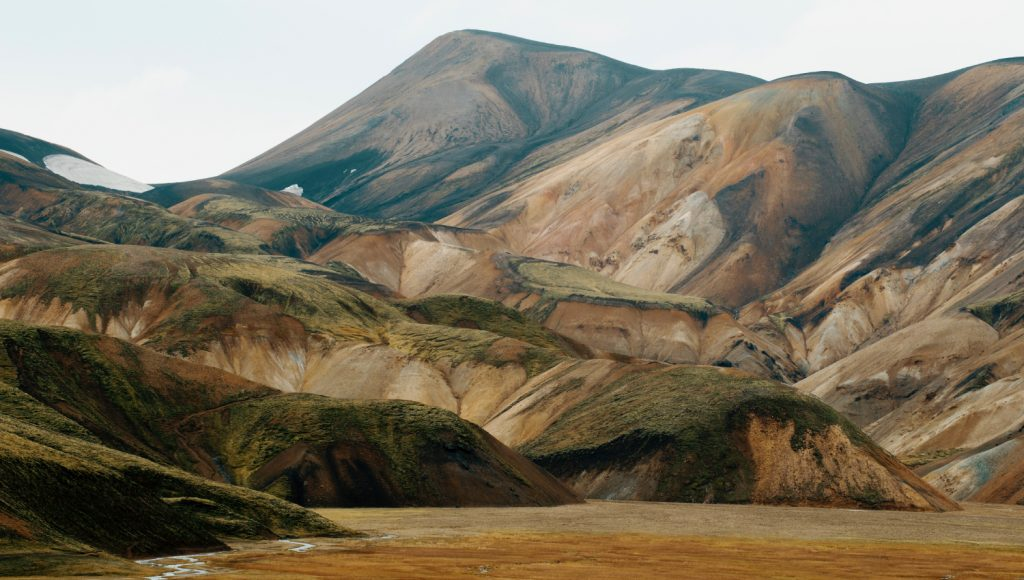 geothermal mountain iceland